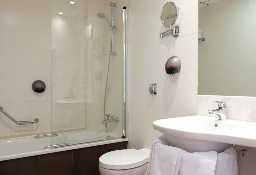 Bathroom Hotel Daniya Alicante