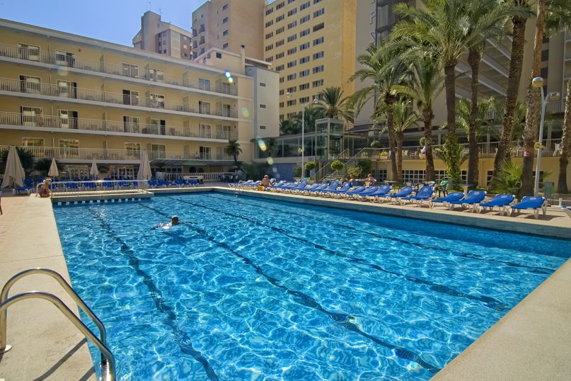 Swimming pool Hotel Servigroup Calypso Benidorm