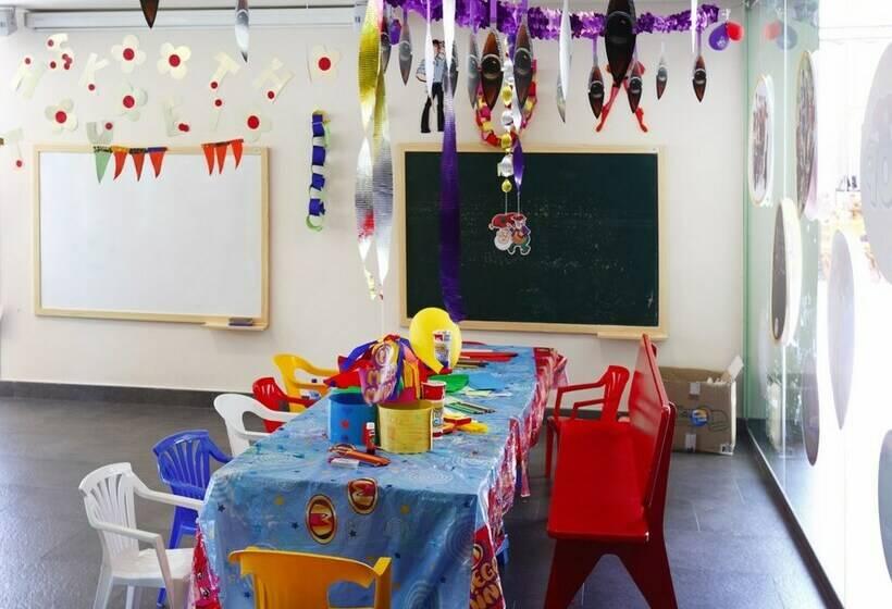 Children's facilities Hotel Barceló Pueblo Menorca Sant Lluis