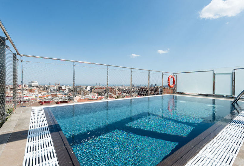 Swimming pool Hotel Catalonia Park Putxet Barcelona