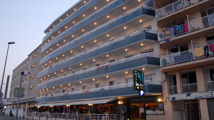Outside Hotel Pimar & Spa Blanes