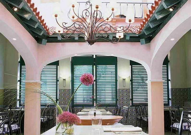Restaurant Hotel Pullman Madrid Airport & Feria