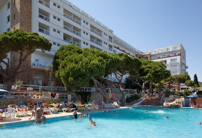 Swimming pool Hotel H Top Caleta Palace Platja d'Aro