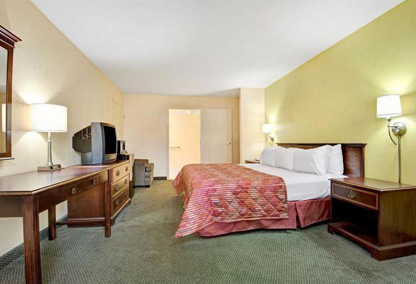 Hotel Ramada Montgomery