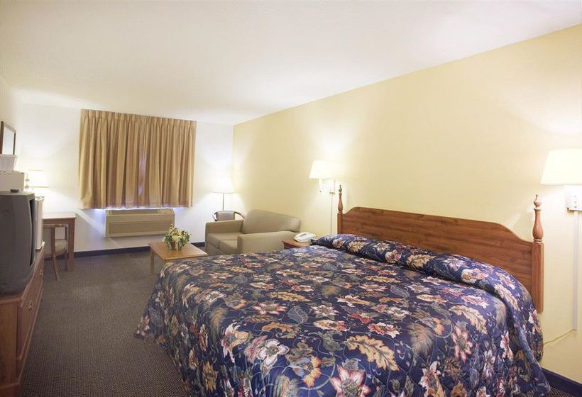 Hotel Americas Best Value Inn- Lake Mills