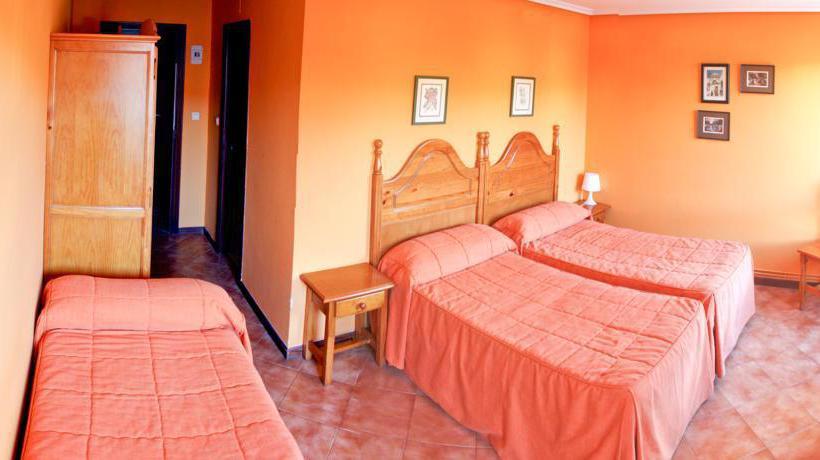 Hotel del Parque Los Corrales de Buelna