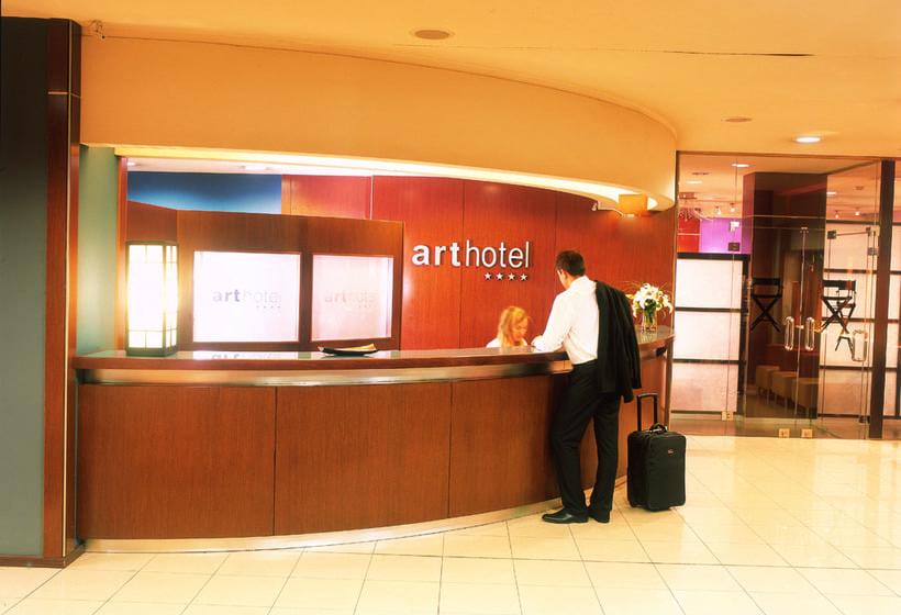 Front desk Acta Arthotel Andorra la Vella