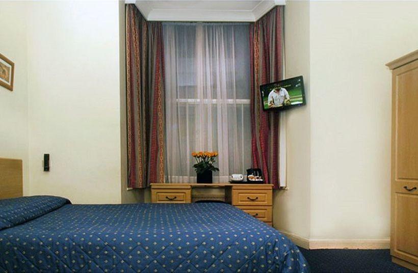 Hotel Chrysos London