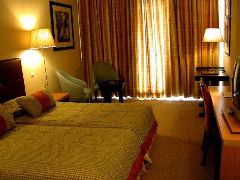 اتاق هتل Royal Garden Ponta Delgada