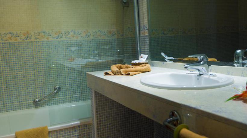 Bathroom Hotel SBH Club Paraíso Playa Playa de Esquinzo