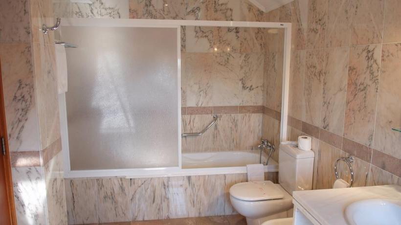 Bathroom Hotel AJ Chaves