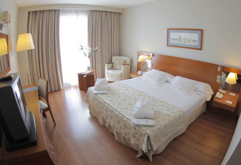 اتاق هتل Eurostars San Lazaro Santiago de Compostela