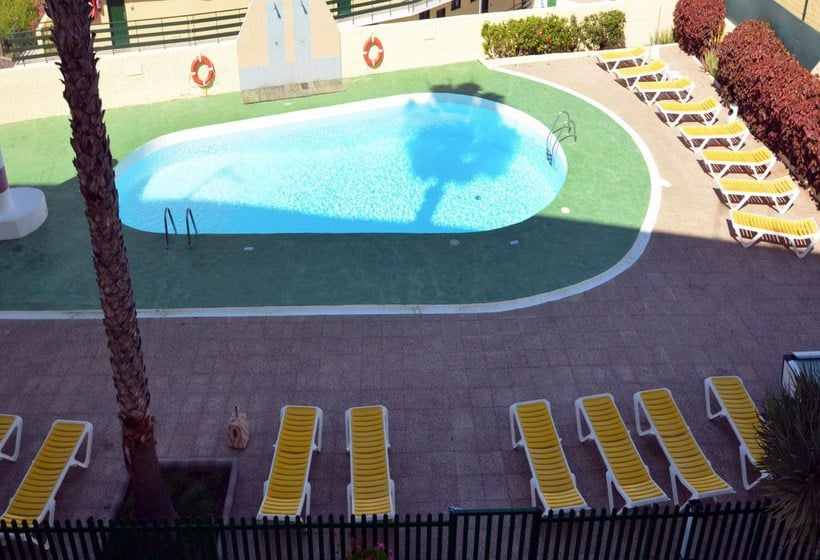 Swimming pool Apartamentos Los Juncos I Playa del Ingles