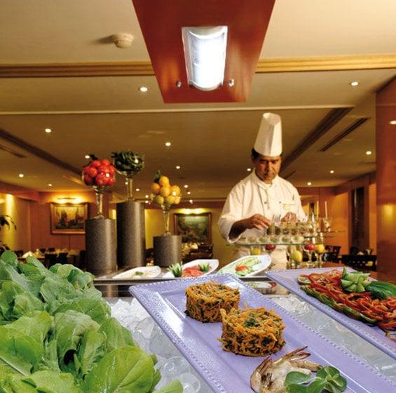 هتل Anwar Al Madinah Mövenpick مدینه