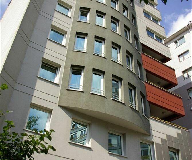 Outside Hotel The Residence Gayrettepe Istanbul