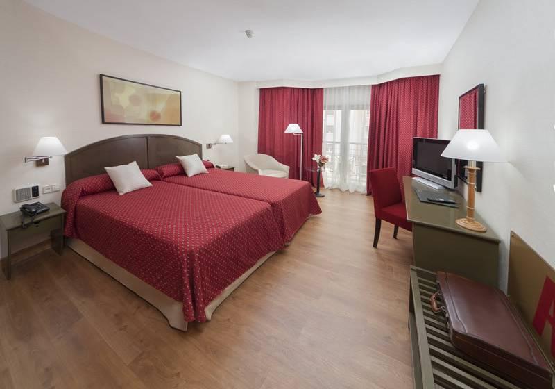 Aparthotel rosales madrid las mejores ofertas con destinia for Appart hotel madrid