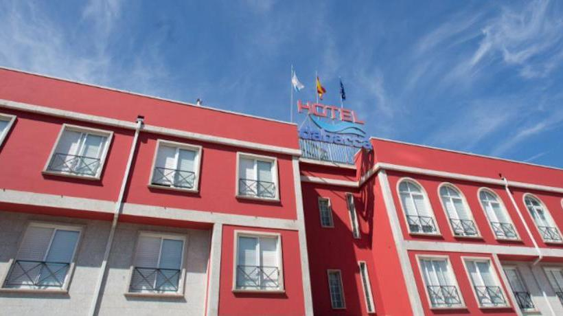 Outside Hotel Dabarca Pontevedra