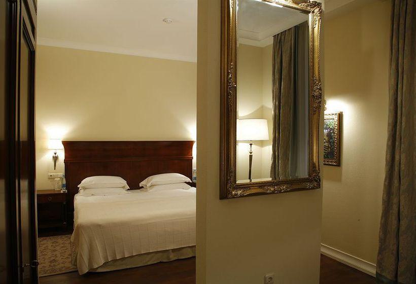 هتل Leopolis Lviv