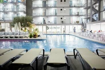 Swimming pool Hotel Los Álamos Benidorm