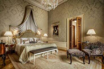 Danieli, A Luxury Collection , Venice - Venetsia