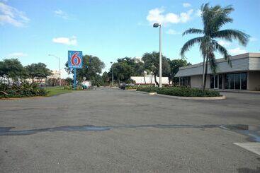 Motel 6 Miami - Miami