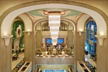 Crowne Plaza Dubai - ドバイ