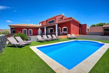 Villa Ada Spa  Luxury & Comfort - Puerto del Rosario