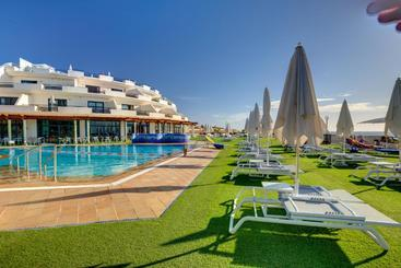 Sbh Crystal Beach Hotel & Suites - Adults Only - كوستا كالما