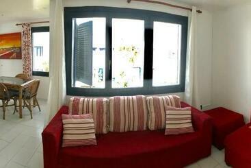 Apartamentos Playa Los Barqueros - Corralejo