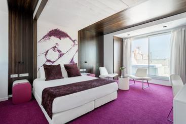 Room Mate Emma -                             바르셀로나