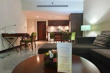 Phoenix Plaza Hotel Apartments - Abu Dabi