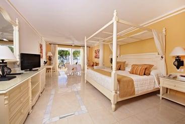 Bahia Principe Luxury Bouganville  Adults Only All Inclusive - La Romana