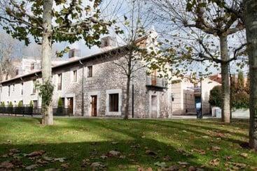 Apartamentos María Luisa - Burgos