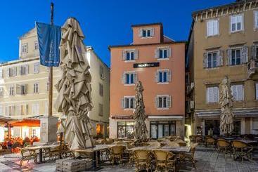 Palace Suites Heritage - Split