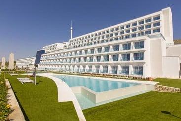 Grand Luxor Hotel