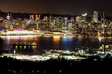 Emperial Suites - North Vancouver