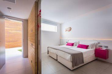 One Ibiza Suites - Ивиса