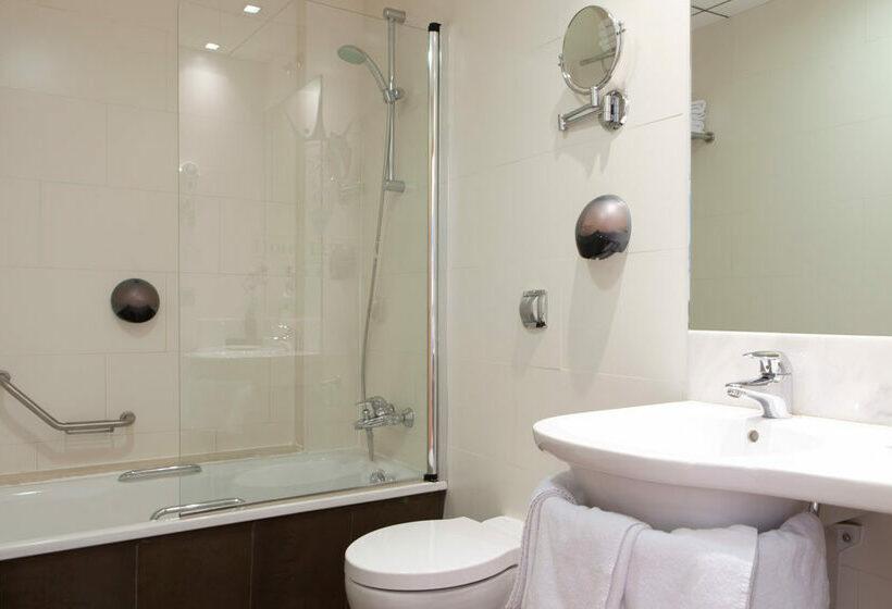 Cuarto de baño Hotel Daniya Alicante