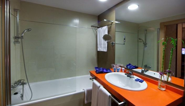 Cuarto de baño Hotel Evenia Zoraida Park Roquetas de Mar