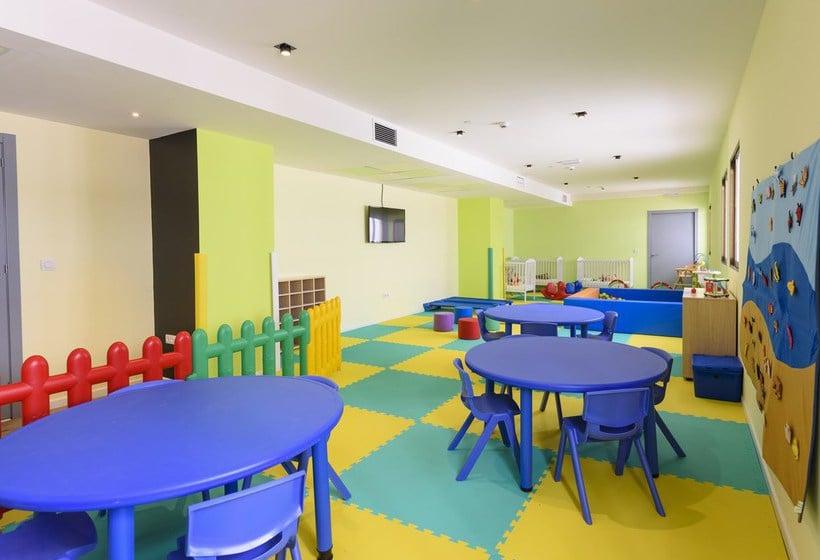 Instalaciones infantiles Hotel Sol Pelícanos Ocas Benidorm