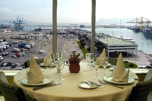 Hotel al mar algeciras las mejores ofertas con destinia for Hoteles en algeciras con piscina