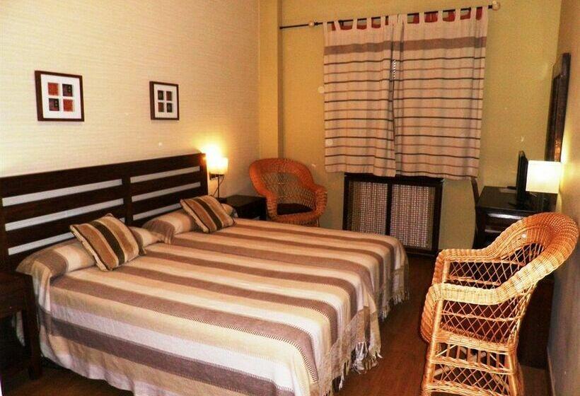 Hotel monta a rubielos en rubielos de mora destinia for Hotel familiar montana