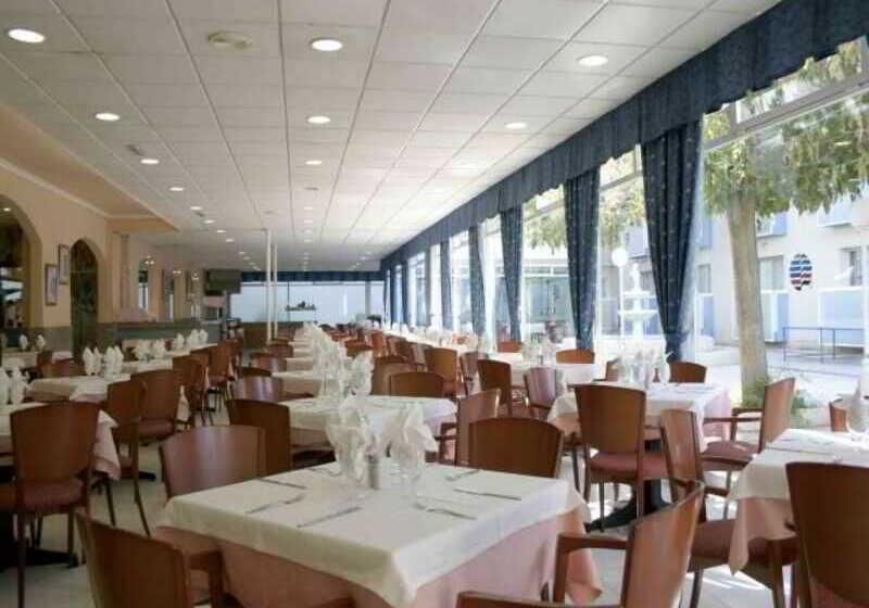 hotel villamarina club en salou desde 52 destinia. Black Bedroom Furniture Sets. Home Design Ideas