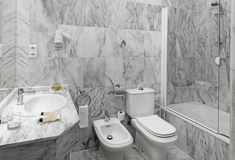 Cuarto de baño Hotel Elba Motril Beach & Business