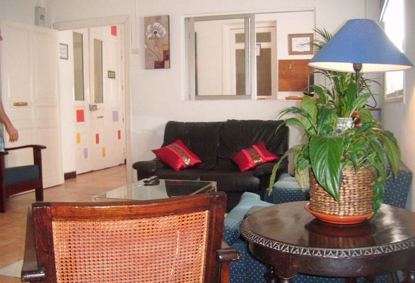 Gay hostal puerta del sol madrid en madrid destinia for Hoteles puerta del sol baratos
