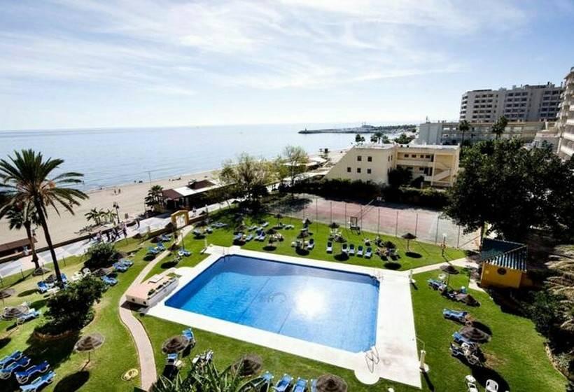 Hotel la barracuda en torremolinos destinia for Piscina torremolinos