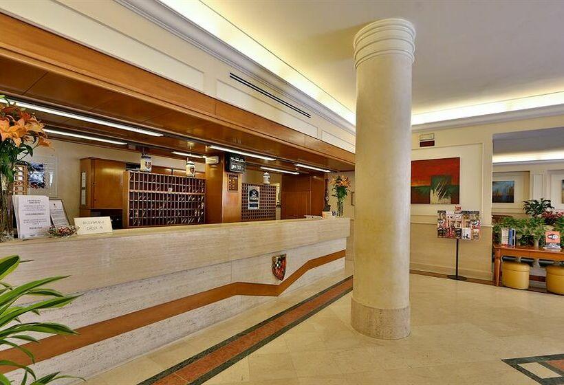 Recepción Best Western Grand Hotel Adriatico Florencia