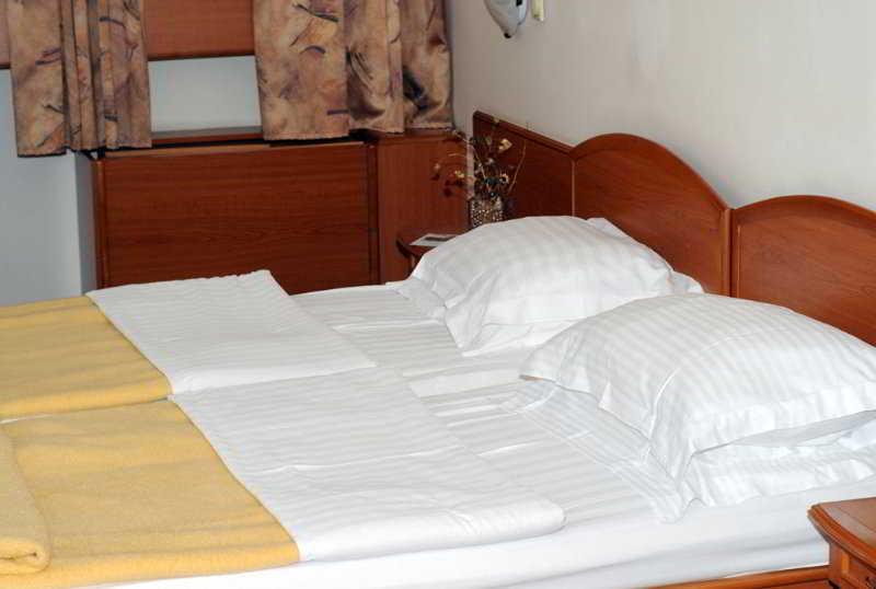 Hotel park en belgrado desde 28 destinia for Hotel belgrado