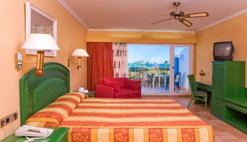 Playaballena spa hotel en costa ballena destinia for Hotel spa familiar