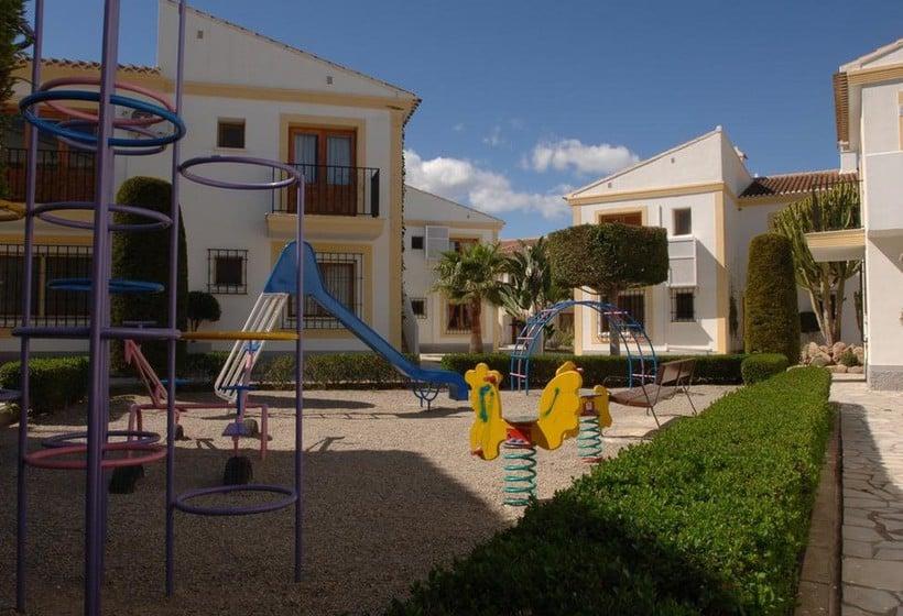 Instalaciones infantiles Apartamentos Vera Coast